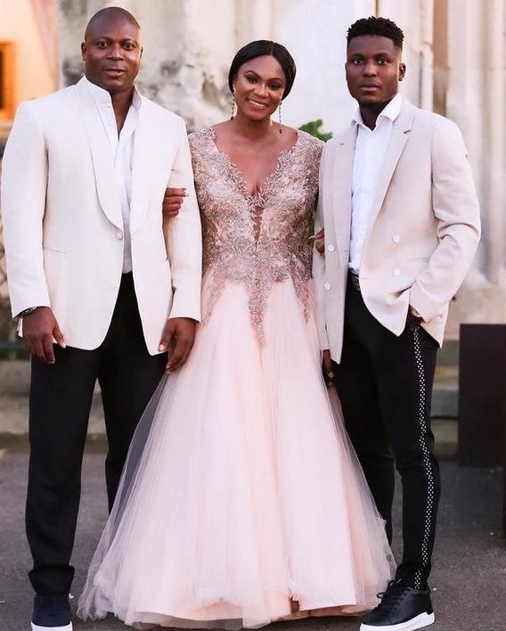 Footballer, Yakubu Aiyegbeni's wife gushes as she shares lovely family photos 3
