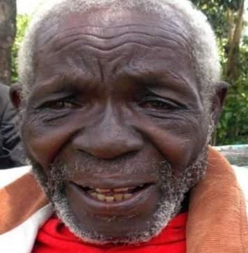 Le Kényan de 84 ans qui est rentré chez lui après 47 ans dit être déçu de ses deux femmes