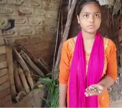 Mjekët u hutuan ndërsa vajza qan lotët prej guri nga një sy