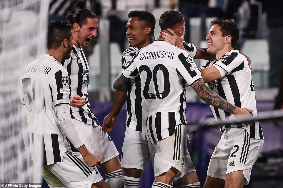 UEFA Champions League: Cristiano Ronaldo scores dramatic late winner for Manchester United while Chelsea lose to Juventus (as it happened)
