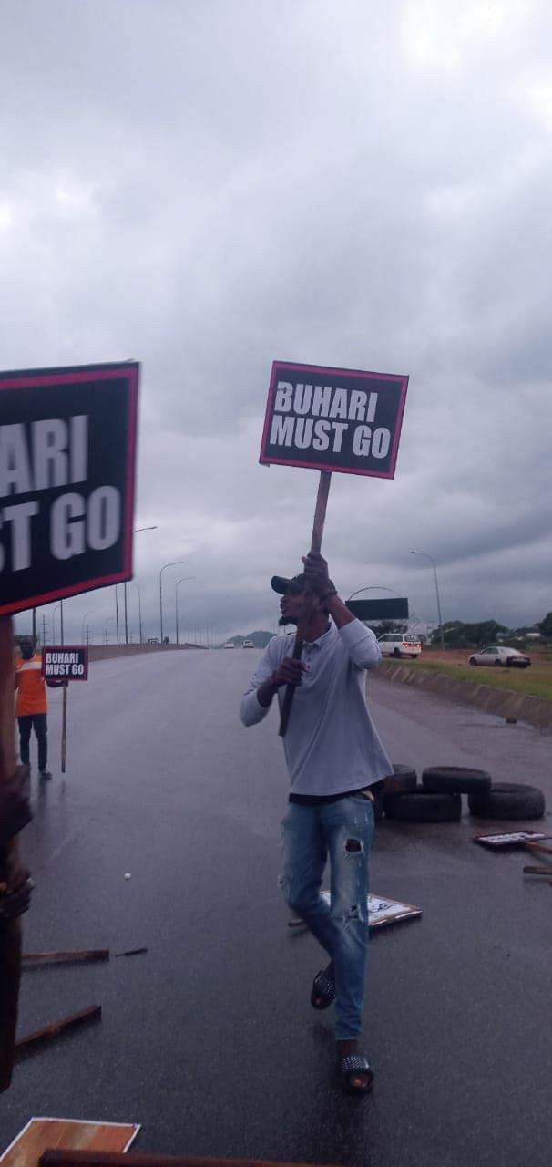 """""""Buhari must go"""" protesters take to the streets of Abuja with placards on Nigeria"""
