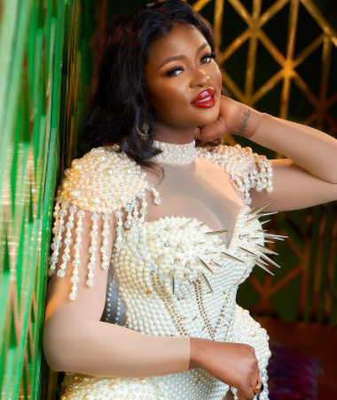 Bbnaija star Ka3na issues stern warning to vendors, photographers, makeup artists who expect her to tag them after collecting money from her