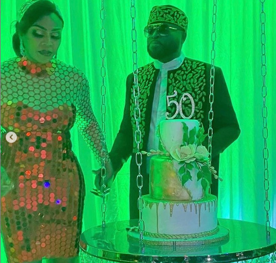 Interior decorator, Ehi Ogbebor confirms her relationship with MC Oluomo has ended; unveils her new man and issues warning after being accused of dating a married man (video)