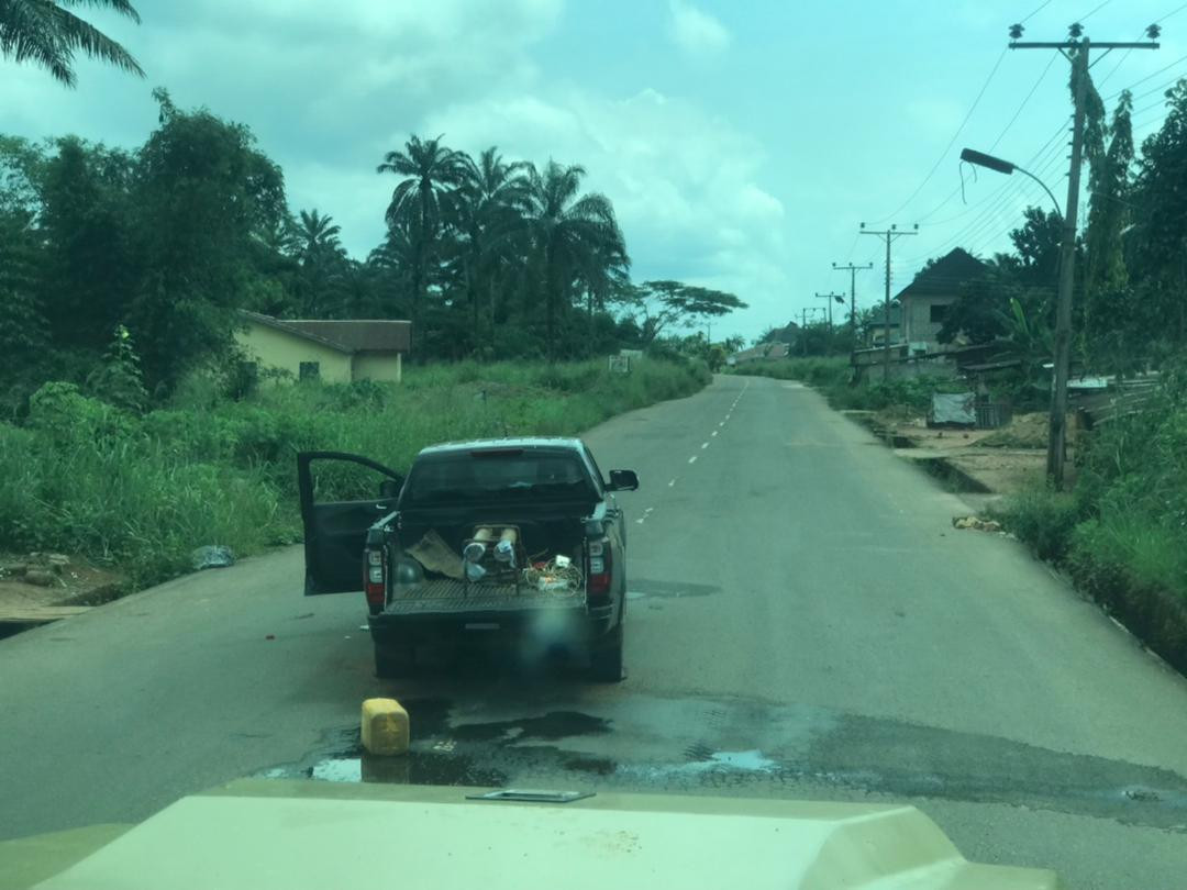Anambra police repel attack from unknown gunmen in Ihiala, recover ammunitions and four vehicles (photos)