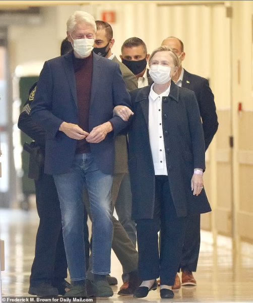 Update: Bill Clinton returns home?after five nights in California hospital and intensive care treatment for sepsis caused by urinary tract infection(Photos)