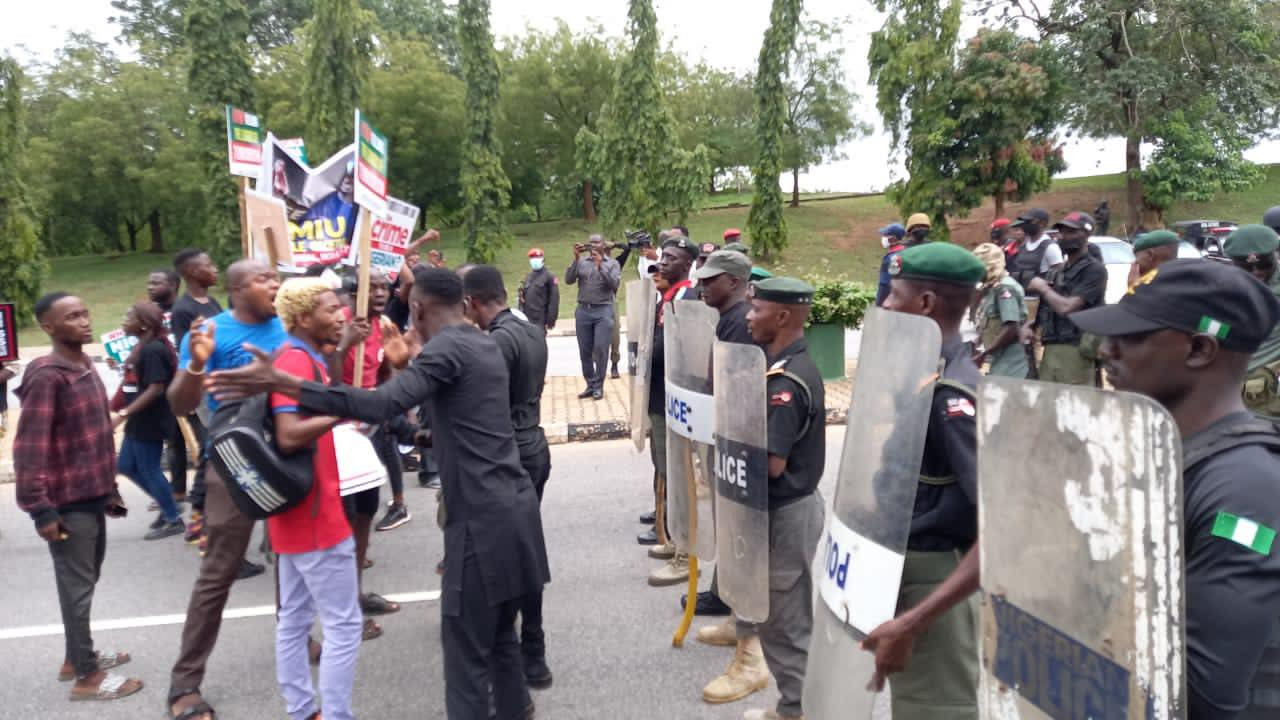 Sowore, Adeyanju and others lead #EndSARS protest in Abuja (photos)