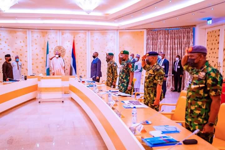 Nothing must stop Anambra governorship election - Buhari tells service chiefs